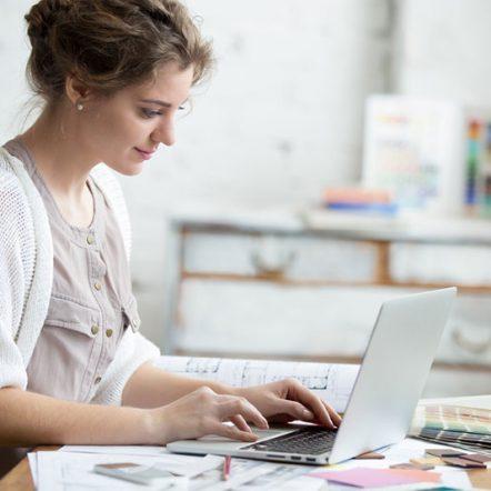 lady at a computer